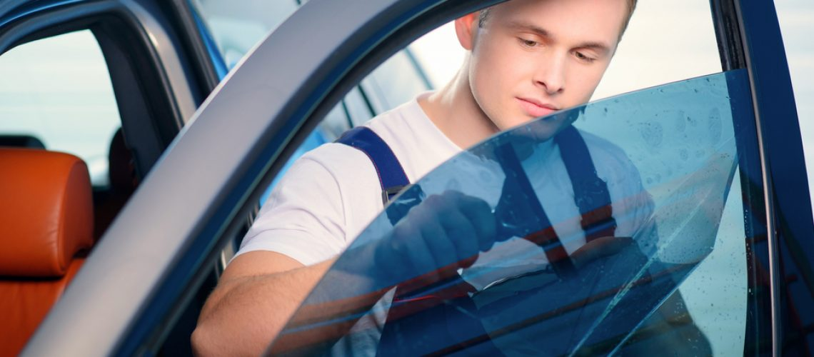 ממה מורכב מחיר ציפוי חלונות לרכב?